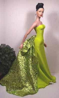 .is this supposed to be a oscar de la renta remake for barbie? lol