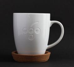 Kaffee-/Teebecher mit Traubenlogo - tafelfein - Feines & Accessoires #coffeemug #kaffeetasse #Weintrauben #wein #tablesetting #accessoires