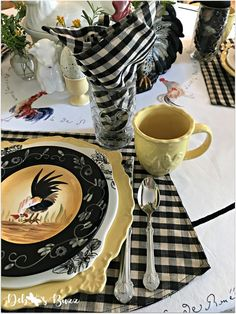 Fall on the Farm Rooster Table, with black and white check linens. Tea Party Table, Dinner Table, A Table, Country Table Settings, Dinning Room Tables, Dining, Kitchen Themes, Kitchen Ideas, Farmhouse Kitchen Decor