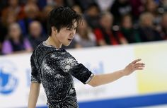 Japan's Shoma Uno lands historic quad flip at 2016 Team Challenge Cup.