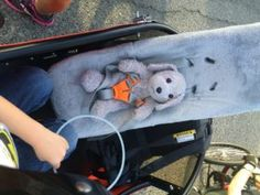 Buckle up Bunny! Nice and safe in the infant Weber carrier in the Nihola 4.0