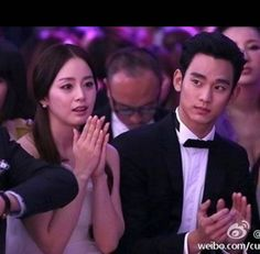 Kim Tae Hee and Kim Soo Hyun attend the '2013 Cosmo Beauty Awards' and win 'Dream Icon Award' | http://www.allkpop.com/article/2013/11/kim-tae-hee-and-kim-soo-hyun-attend-the-2013-cosmo-beauty-awards-and-win-dream-icon-award