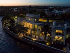 Gold Coast's Finest Trophy Home! in Australia for sale (10923572)