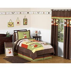 Transform your child's room into an adorable animal sanctuary with the playful Sweet Jojo Designs Forest Friends Collection. Its detailed appliques and embroidery feature raccoons, owls, deer, foxes, and squirrels in woodsy colors and textural fabrics.
