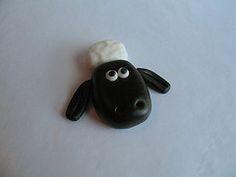 How to make Shaun the Sheep with fondant!