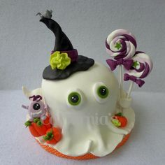 Ghost cake Ghost Cake, Candy, Halloween, Desserts, Food, Sweet, Toffee, Meal, Candy Notes