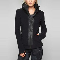 As we wrap up summer, we're stocking up on jackets to wrap up in this autumn. When it comes to fashionably warm outerwear, fleece is your new best friend. Whether your chilly weather seasons consist of bonfires, morning runs, or ski getaways, you'll find the perfect fleece jacket to keep you warm and fit your style needs. From quilted patterns to lightweight favorites, this list has you covered—literally. Click on to discover our top ten fleece jackets for fall and get those campfires...