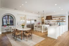 Get the Look of Lauren Conrad's California-Cool Home via Brit + Co Celebrity Kitchens, Celebrity Houses, Celebrity Style, California Cool, California Homes, California Bungalow, Lauren Conrad House, Kitchen Decor, Kitchen Design