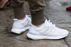 Adidas Stan Smiths are extremely trendy and they go with lots of combinations. Adidas Primeknit technology is perfect for the marathon runner. You can't fail with Adidas. Sneakers Mode, Best Sneakers, Sneakers Fashion, Fashion Shoes, Shoes Sneakers, Mens Fashion, Mens White Sneakers, Shoes Heels, Sneaker Outfits