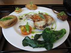 JHS  / Escaloppe de porc ròti grille avec legumes frit''( fenouil et sandwich de pain au mozarelle,ròti artichaut et pomme de terre,tomate cru et broccolo bouille )'' sauceTapenade  Gino D'Aquino