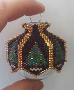 Beaded Ornament Covers, Beaded Ornaments, Diy Ornaments, Glass Ornaments, Ornament Crafts, Beaded Christmas Decorations, Felt Christmas Ornaments, Christmas Crafts, Christmas Jewelry