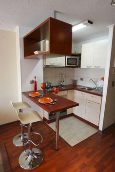 Small Kitchen Ideas : with Island & Cabinets Small modern kitchen ideas. Discover inspiration for your Small kitchen remodeling in small spaces, upgrade with ideas for storage, gadget, organization, layout and decor. Apartment Kitchen, Kitchen Interior, New Kitchen, Kitchen Decor, Design Kitchen, Micro Kitchen, Studio Kitchen, Apartment Layout, Apartment Ideas