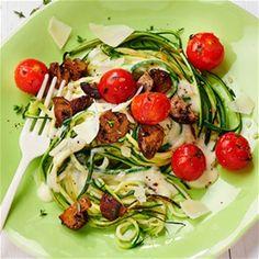 Courgetti met romige gorgonzolasaus en geroosterde champignons