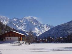 La station de Champex-Lac en hiver. Mount Everest, Mountains, Nature, Canada, Travel, Tourism, Winter, Switzerland, Naturaleza