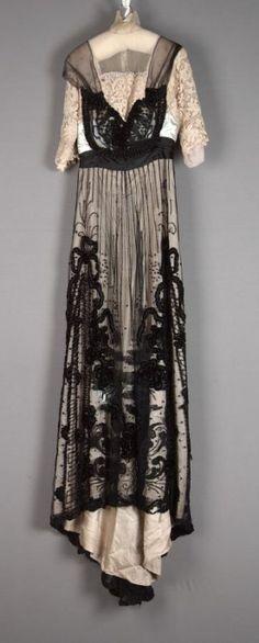 Evening dress Designer: Mme. B. Ratter Date: ca. 1907