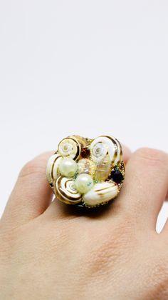 shell ring cineva.net Shells, Objects, Stud Earrings, Unisex, Jewelry, Art, Conch Shells, Art Background, Jewlery