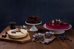 Delicious cakes from Lie Nielsen. Styling: Hege Jørgensen. Photo: Line Møllerhaug. Food Styling, Food Photography, Beautiful, Recipes