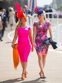 A colourful day at Royal Ascot with members of the Royal family enjoying the racing Kentucky Derby Outfit, Kentucky Derby Fashion, Derby Attire, Ascot Outfits, Derby Outfits, Outfits With Hats, Race Day Fashion, Races Fashion, Tea Party Outfits