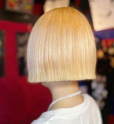 Bob Haircuts, Bob Hairstyles, Straight Bangs, Blunt Bob, Hair Models, Hair Cuts, Hair Styles, Instagram, Haircut Designs