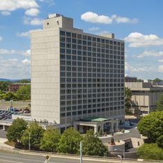 We're moving on up! Check out the latest and greatest Radisson Hotel Hartford.