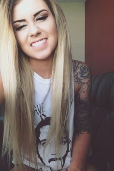 Pretty Girls With Tattoo Sleeves