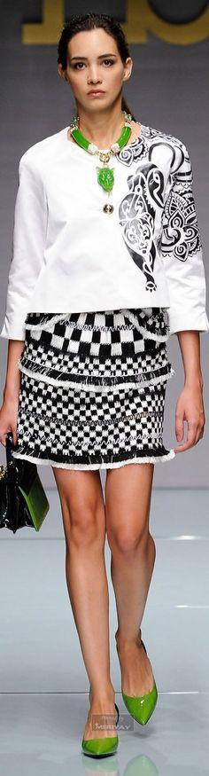 2015 Fashion Dresses Coloring