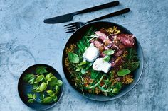 If you& a freak for freekeh, this superbowl is definitely for you. Tasty, nutritious and filling, it ticks all the boxes. Beef Recipes, Real Food Recipes, Salad Recipes, Healthy Recipes, Healthy Options, Small Food Processor, Food Processor Recipes, Lemon Green Beans, Food Bowl
