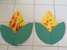 Make harvest corn with q-tips or fingerprints--easy Thanksgiving craft for kids