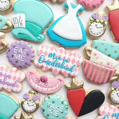 Mia in ONEderland! 💕 Design inspired by First Birthday Cookies, 1st Birthday Party For Girls, First Birthday Themes, Disney Birthday, Birthday Ideas, Baby Birthday, Alice In Wonderland Tea Party Birthday, Alice In Wonderland Cakes, Disney Cookies