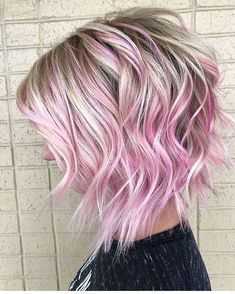 Our favorite ideas of bob hairstyles for all the fashionable ladies in year Bedhead bob haircuts with pink hair colors are really amazing way for best personality nowadays. This beautiful ideas of bob haircuts are worn by the bold and fashionable la Pink Blonde Hair, Pink Ombre Hair, Blonde With Pink, Bold Hair Color, Hair Color Shades, Ombre Bob Hair, Bob Hairstyles, Bob Haircuts, Hairdos
