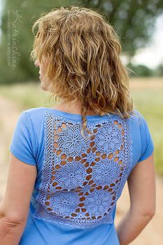 Lavender t-shirt with upcycled vintage crochet doily back - Size S