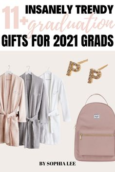 My daughter will not tell me what she wants as a graduation gift so finding this post is amazing. There are so many good ideas for graduation parties and caps too!! Outdoor Graduation Parties, High School Graduation Gifts, Graduation Party Decor, Graduate School, Graduation Cap Designs, School Signs, Outdoor School, High School Girls, Party Ideas