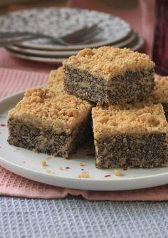 פרג – תפוחים – פירורים – Brown Sugar Poppy Seed Cake, New Cake, Banana Bread, Cake Recipes, Food And Drink, Apple Cakes, Cooking Recipes, Sweets, Cookies