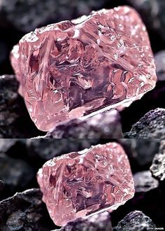 A rare and very valuable pink diamond has been found in Australia: my love for diamonds and gemstones starts at the source. It's mind lowing that our earth creates these beautiful minerals. Minerals And Gemstones, Rocks And Minerals, Bijoux Art Deco, Bling, Beautiful Rocks, Mineral Stone, Rocks And Gems, Stones And Crystals, Gem Stones