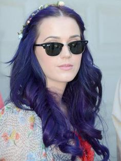 Katy Perry. I love this color.