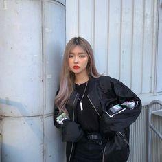 Mode Ulzzang, Ulzzang Korean Girl, Cute Korean Girl, Asian Girl, Edgy Outfits, Retro Outfits, Cute Outfits, Fashion Outfits, Korean Aesthetic