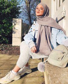 OULFA (@oulfaxoul) • Instagram-foto's en -video's Modern Hijab Fashion, Street Hijab Fashion, Muslim Fashion, Modele Hijab, Hijab Fashionista, Casual Hijab Outfit, Girl Fashion, Fashion Outfits, Modest Wear
