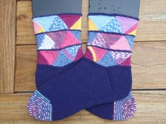 Ravelry: Odds 'n Sods pattern by Tricia Weatherston: Round 7, Sock Madness 2008