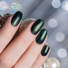 Magic on the nails!  Which of you stole the heart of the color Everyday is Christmas with co ..., #* #everydayischristmas #glittercollection #glitternails #greennails #indigo #IndigoGlitter! #indigonails #lakieryhybrydowe #magicnails #manicure #paznokcie