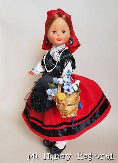 Nancy Doll, Miss Piggy, Regional, Elsa, Costumes, Dolls, Disney Princess, Folklore, Crochet
