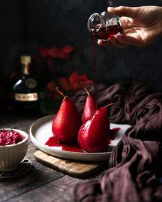 """••✶🧁𝒸𝑜𝑜𝓀𝒾𝓃𝑔 𝒾𝓈 𝒸𝒶𝓇𝒾𝓃𝑔 ✶•• on Instagram: """"🌺 P o i r e & H i b i s c u s 🌺 J'avais envie de tester cette recette de poires pochées. J'ai réalisé mon sirop à base d'une infusion de…"""" Homemade Pastries, Cherry, Fruit, Instagram, Food, Syrup, Poached Pears, Envy, Eten"""
