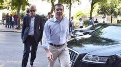 Πιερία: Απειλές ΣΥΡΙΖΑ: Χωρίς λύση για το χρέος δεν θα εφα... Athens, Suits, News, Fashion, Moda, Fashion Styles, Suit, Wedding Suits, Fashion Illustrations