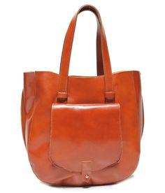 Stylová hnědá kožená taška s kapsou http://www.cosmopolitus.com/sytlowa-brazowa-skorzana-torebka-kieszonka-zamykana-suwak-p-56487.html #kabelky #damy #velky #obalka #kuze #cerny #hnedy #rameno #postak #levne