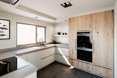 Kitchen Dinning Room, Kitchen Cabinets Decor, Kitchen Room Design, Kitchen Cabinet Design, Modern Kitchen Design, Grey Kitchen Interior, Open Plan Kitchen, New Kitchen, Cuisines Design