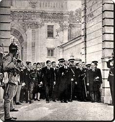 Atatürk'ün Dolmabahçe sarayına Cumhurbaşkanı olarak ilk gelişi  1 temmuz 1927