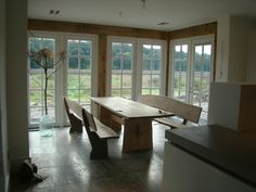 Garnitur aus eiche 1 Conference Room, Table, Furniture, Home Decor, Oak Tree, Homemade Home Decor, Meeting Rooms, Mesas, Home Furnishings