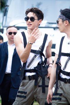 ★☆ 𝑲𝒑𝒐𝒑 𝑰𝒅𝒐𝒍 𝑨𝒔 𝒀𝒐𝒖𝒓. - lucas as your stalker 🌹 Lucas Nct, Nct 127, Winwin, Taeyong, Jaehyun, K Pop, Rapper, Day6 Sungjin, Young K
