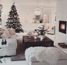 40 Cozy Christmas Living Room Design and Decor Ideas - decoration Decoration Evenementielle, Home Improvement Loans, Christmas Living Rooms, Cozy Christmas, White Christmas, Xmas, Scandinavian Christmas, Scandinavian Interior, Christmas Gifts