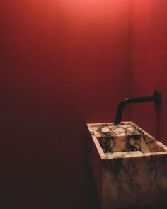 il_granito#marble #sink #red #walls #black #tap #bathroominspiration #marblesink #interior #design #amsterdam #guesttoilet Guest Toilet, White Walls, Red Walls, Brutalist, Bathroom Inspiration, Sink, Lounge, Modern Bathrooms, Amsterdam