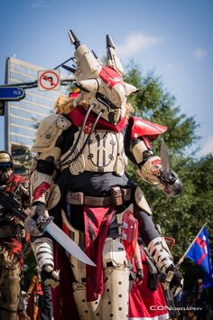 Destiny Cosplay at DragonCon 2014